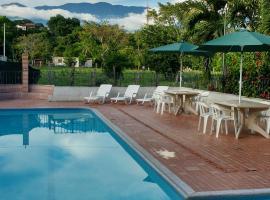 Las Cabanas de Pino Hostel, Santa Fe de Antioquia (Dabeiba yakınında)
