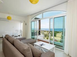 Joya Cyprus Moonrise Penthouse Apartment, Ayios Amvrosios (Ayios Nikolaos yakınında)