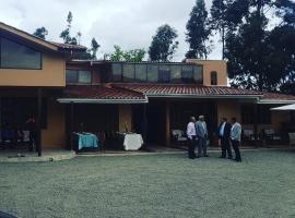 Quinta El Plateado, Chaullamba (San Vicente yakınında)