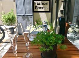 Fashion Rooms