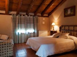 Casa rural La Rueda, Ceguilla (Near Navafria)