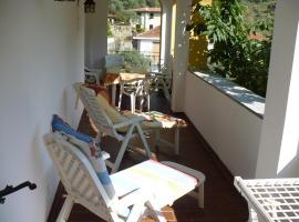 - casa del ciliegio, Badalucco (Montalto Ligure yakınında)