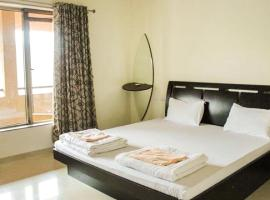 Villa with Wi-Fi in Lavasa, by GuestHouser 47900, Dasave