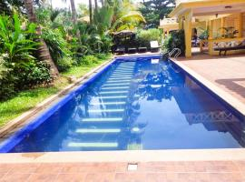 Boutique stay with a pool in Patnem, Goa, by GuestHouser 29129, Патнэм