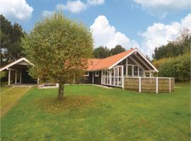 Five-Bedroom Holiday Home in Grenaa, Brøndstrup (Gjerrild yakınında)