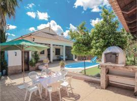 Three-Bedroom Holiday Home in Casariche, Касариче (рядом с городом Пуэнте-Хениль)