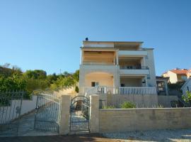 Apartment Bilice beach
