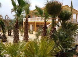 Casa assutzena, Monserrat (Montroy yakınında)