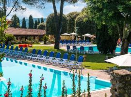 West Garda Hotel, Padenghe sul Garda (Monte yakınında)