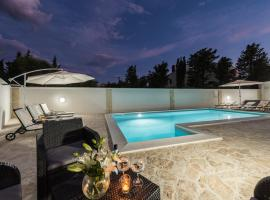 Villa Star 1 luxury apartment with a pool