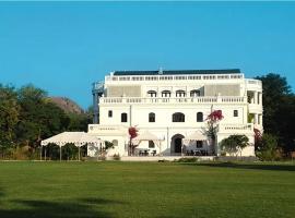 Kathiwada Raaj Mahal, Kathiwāra (рядом с городом Jambughoda)