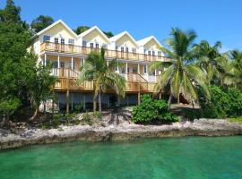 Bluff House Beach Resort & Marina, Green Turtle Cay (Cooper's Town yakınında)
