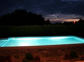 Family house on private property with pool, Žbandaj