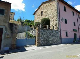 Le Gemelle, Sasso Pisano (Monterotondo yakınında)