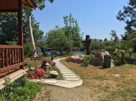 Yalili's Wooden House, Kürkçüler (in de buurt van Ekincik)