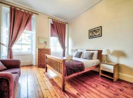 Spacious Flat in Old Town