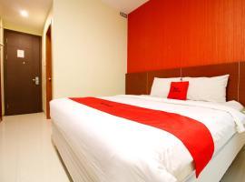RedDoorz Premium near Nipah Mall, Макасар (рядом с городом Pacinongong)