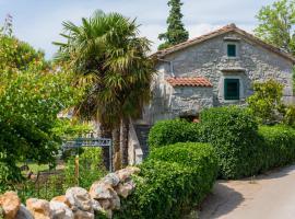 Vacation House Adam, Milohnići