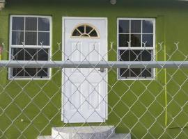 Spacious Colonial, Bridgetown (Saint Michael yakınında)