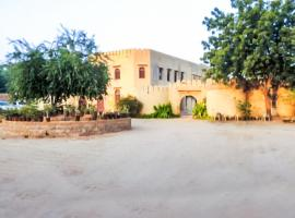 Pet-friendly heritage stay in Jaisalmer, by GuestHouser 19704, Джайсалмер (рядом с городом Chandhan)