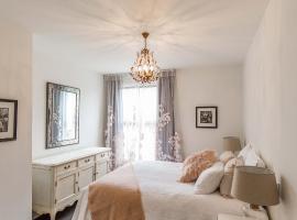 Provincial Apartment 2 - Luxury