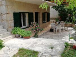 Holiday Home Dunja, Runović (рядом с городом Glibote)