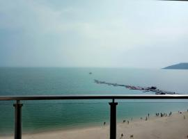 Ten Mile Silver Beach Water Blue Sky Vacation Apartment, Huidong (Yanzaobei yakınında)