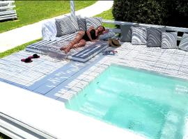 OW Andros Couples Only Luxury Residences, Гаврион (рядом с городом Makrotándalon)