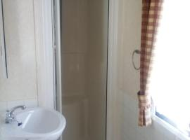 Lovely self catering holiday caravan for rent, Kinloss (рядом с городом Findhorn)