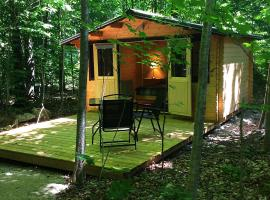 Madawaska Lodge-Camping Cabins, Madawaska