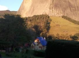 Mansão em pedra azul, Aracê (Pedra Azul yakınında)