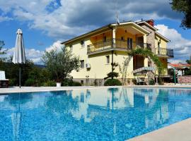 Holiday House with pool Estera