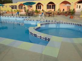 Extravaganza Resort Hotel, Laury (Dajabón yakınında)