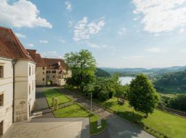 Schloss Seggau, Leibnitz (Seggauberg yakınında)