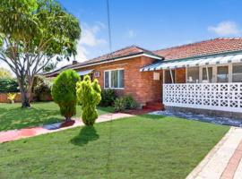 Cottage Home in Jordan Street, Perth (Cloverdale yakınında)