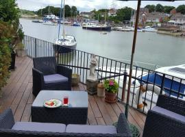 Quay Cottage B&B, Вуттон-Бридж (рядом с городом Fishbourne)