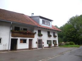 Ferienwohnung auf dem Lechsberg, Fuchstal (Unterostendorf yakınında)