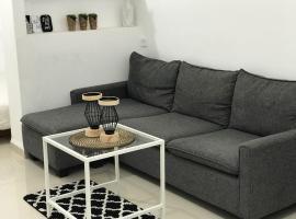 Top Studio Central Haifa - Akko - Beach. BEST FIND, Qiryat Motzkin (рядом с городом Ẕur Shalom)