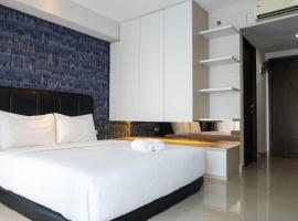 Studio Modern Tamansari The Hive Cawang by Travelio