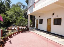 Comfortable Room in Ranikhet, Раникхет (рядом с городом Bhikia Sain)