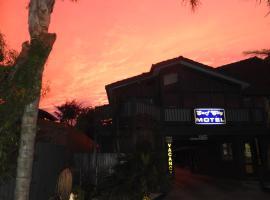 Surf City Motel, Torquay (Near City)