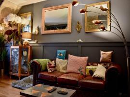 Quirky 2 Bedroom House in Dublin, Дублин (рядом с городом Баллифермот)