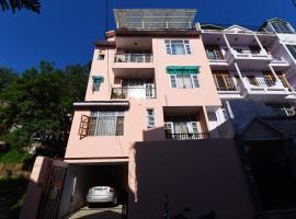 OYO 15591 Home Euphoria 2BHK Attic New Shimla