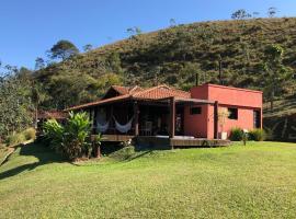 Linda casa de frente para a Bocaina, São José do Barreiro