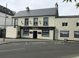 Ewings Bar & Accommodation