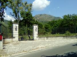 Il Pescheto, Rocca d'Evandro (Galluccio yakınında)
