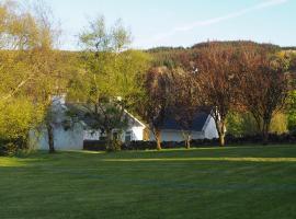 The Cottage @ Burkedale House, Corrofin (рядом с городом Killinaboy)