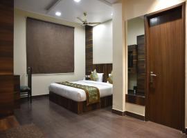 OYO 7896 Hotel Rang Mahal