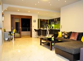Em & Em Apartment, Avdou