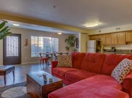 Comfortable 2 Bed Townhome in Uptown Phoenix 105